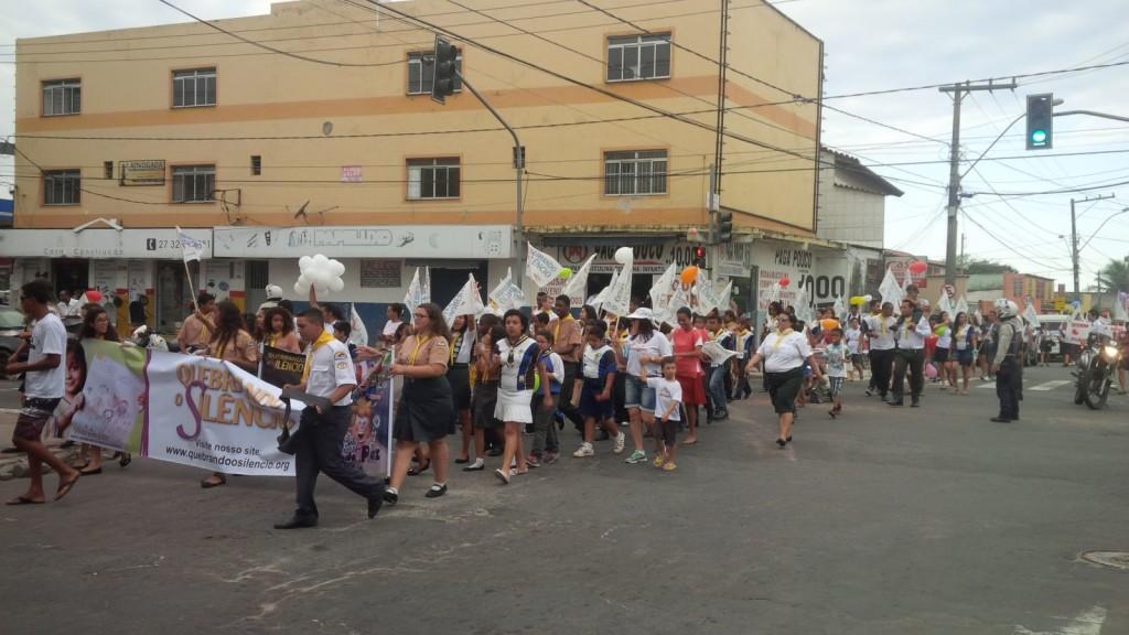 Caminhada contra pornografia reuniu 300 pessoas em bairro da Serra