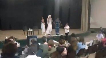 Outra drag queen, outra escola, mesma ideologia de gênero