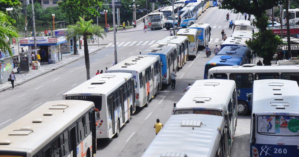 Vítima de assédio sexual em transporte público pode processar concessionária