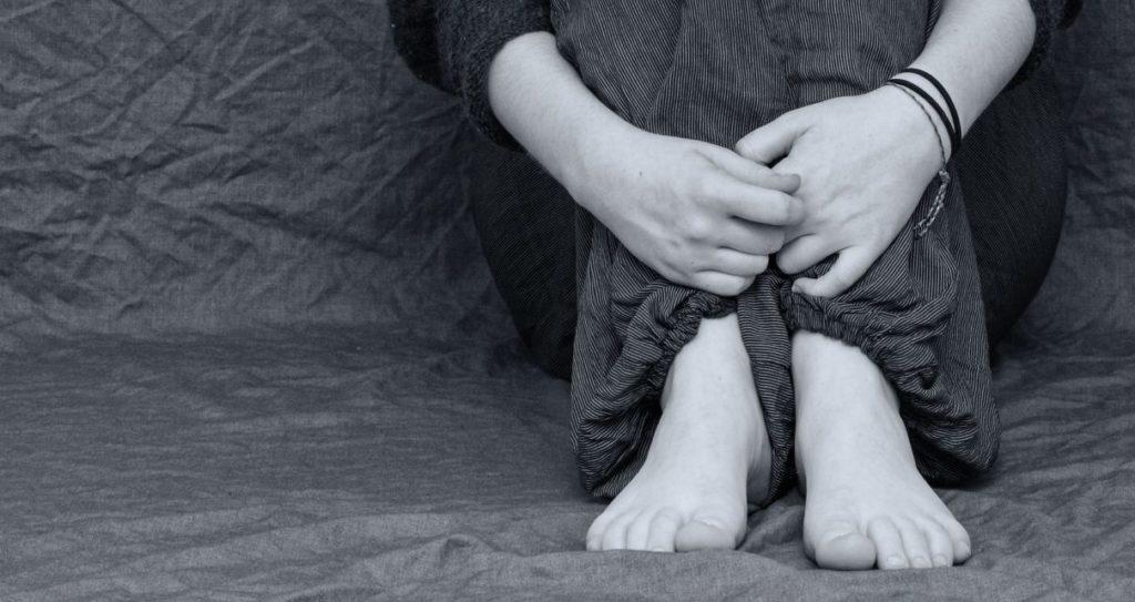 In-between: A minha luta na justiça contra o assédio sexual
