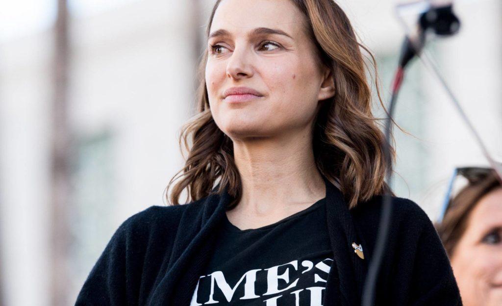 """Natalie Portman contra Hollywood: """"Vivi num ambiente de terrorismo sexual aos 13 anos"""""""