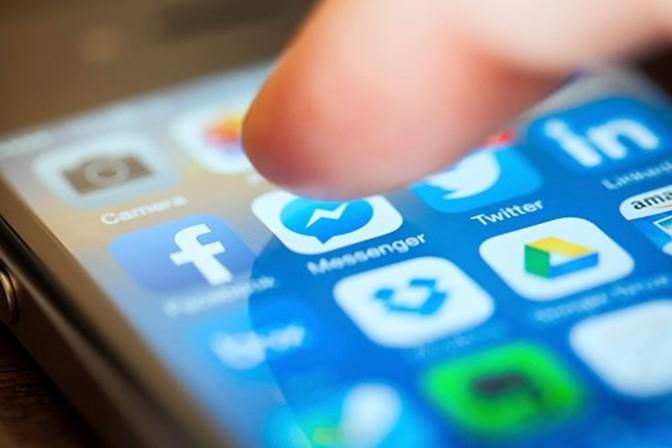Vídeo de pornografia infantil foi partilhado milhares de vezes no Messenger