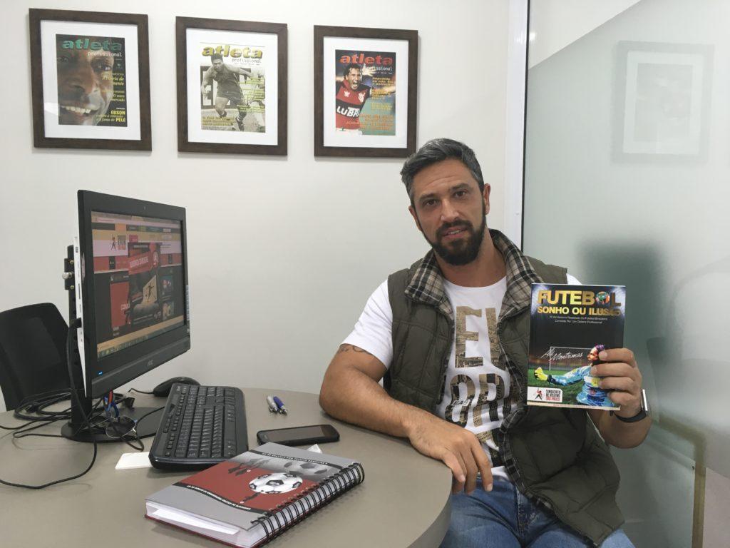 'Existe assédio sexual no futebol e não é pouco', diz autor de livro sobre abuso no esporte