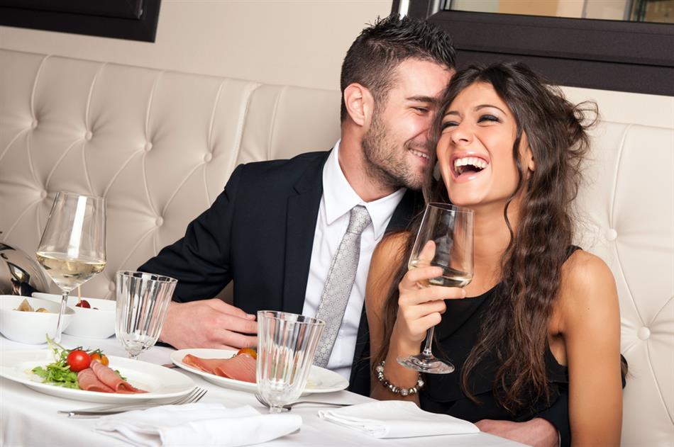 Sabia que é possível alugar namoradas em Portugal por 60 euros/hora?