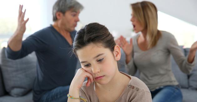 É isso que seus filhos aprendem quando há uma infidelidade no casamento