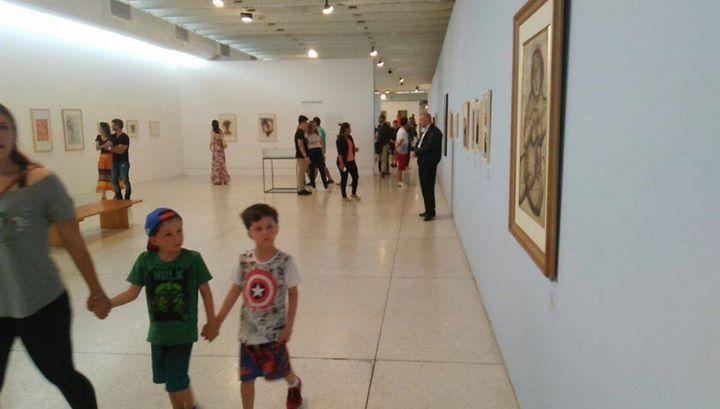 ESCÂNDALO: Gaudêncio Fidelis, do Queermuseu, realiza nova exposição com nudez. Crianças tem entrada franca
